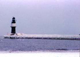 Warnemünde Westmole im Winter 1979